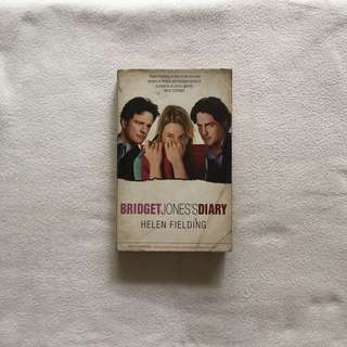 Bridget Jones's Diary book by Helen Fielding 📚 | 📖 B18