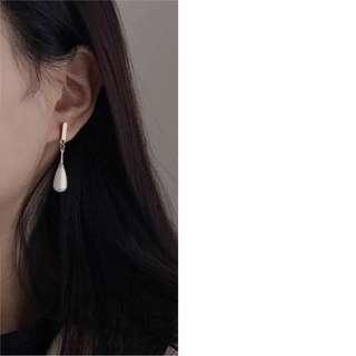 [INSTOCK] pearl drop earrings