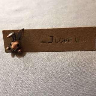 古銅色 立體兔頭耳環