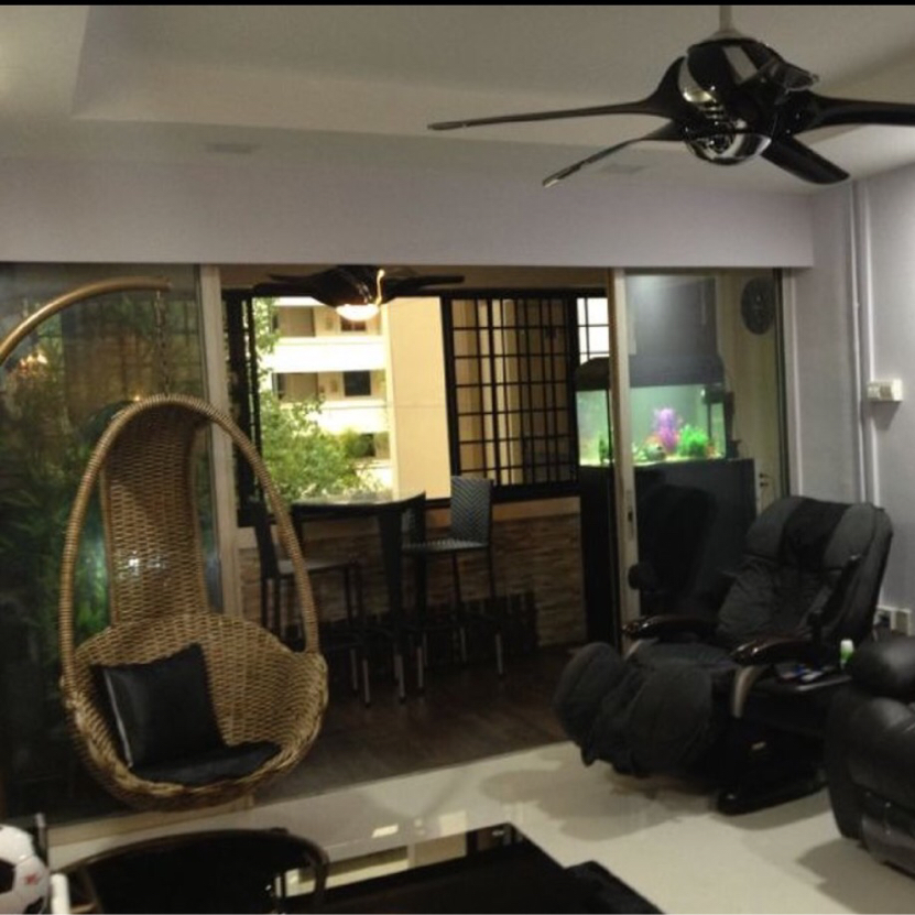 Fully Renovated - 5I HDB Blk 305 Jurong  East St 32 for Sales