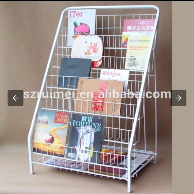 6 tire wire display rack with basket at the bottom