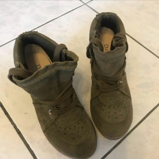 達芙妮麂皮短靴