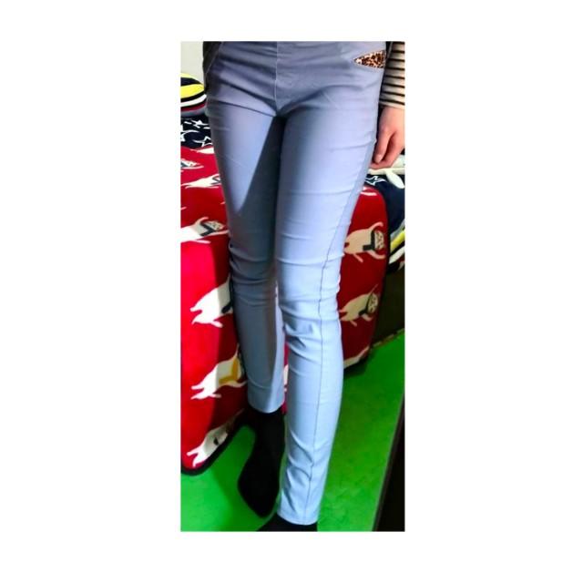 天藍色口袋鉛筆褲