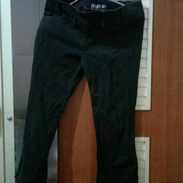 黑色彈性七分褲