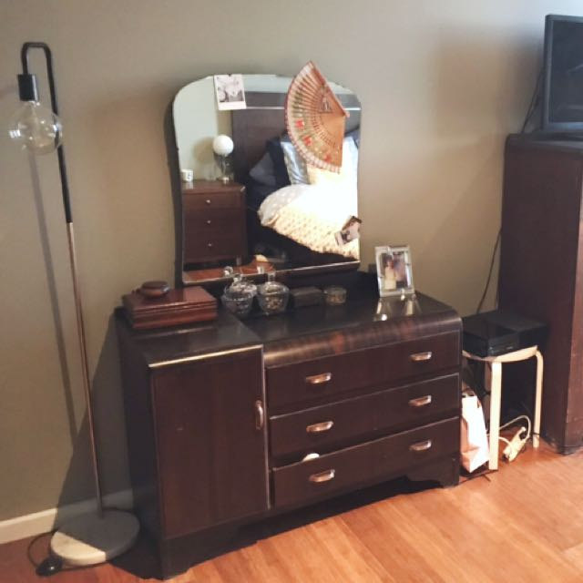 Art Deco style dressing table with adjustable mirror