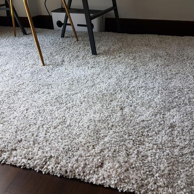 Barely used Ikea Alhede shaggy rug