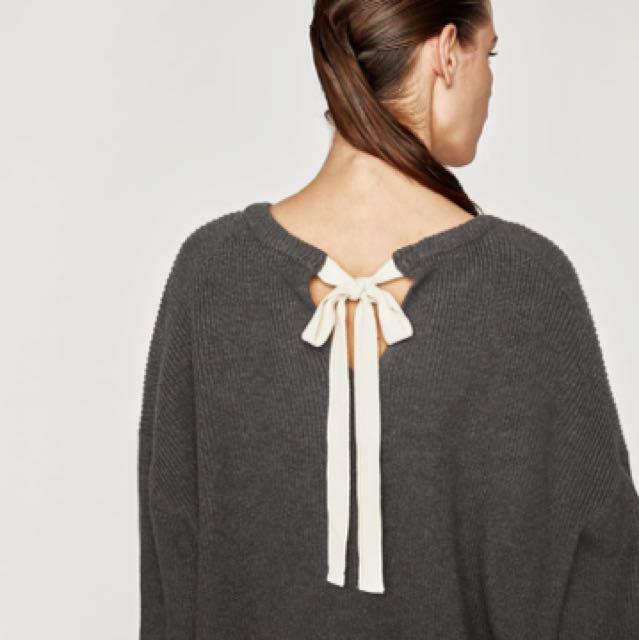 BLACK Back-tie Sweater