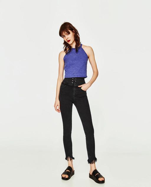 Brandnew with tag Zara Halter Crop Top