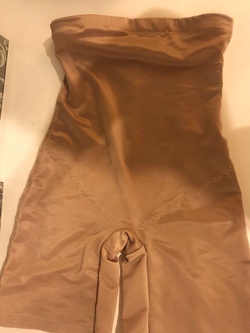 BRAS N THINGS Size 8 Nude Shapewear Shorts/Spanx