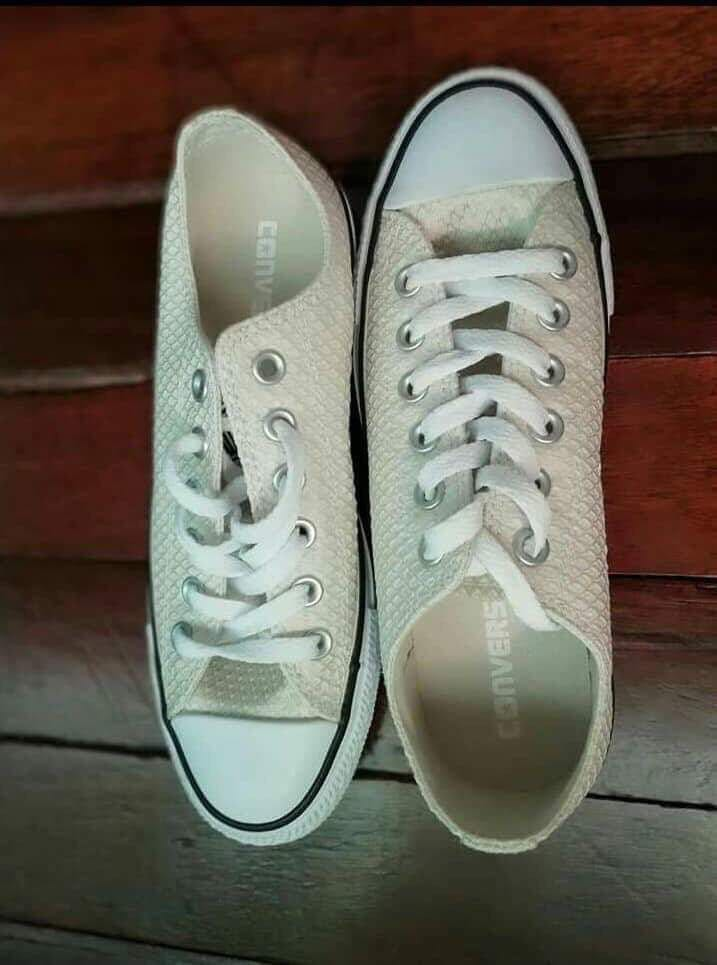 Converse Dirty white! 😍