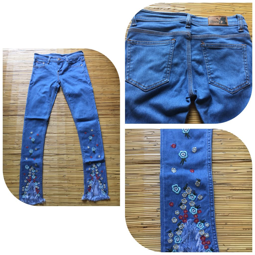 Embroyed Flower Jeans