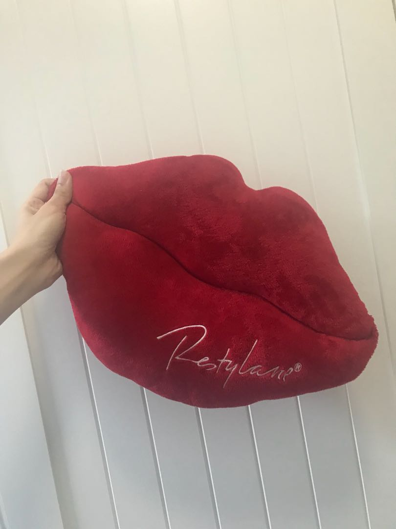 Fillerina Lip Cushion Pillow
