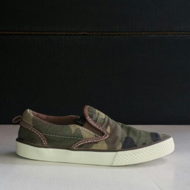 Gap Camo Slip On Sneakers / Shoes For Kids Size US 13