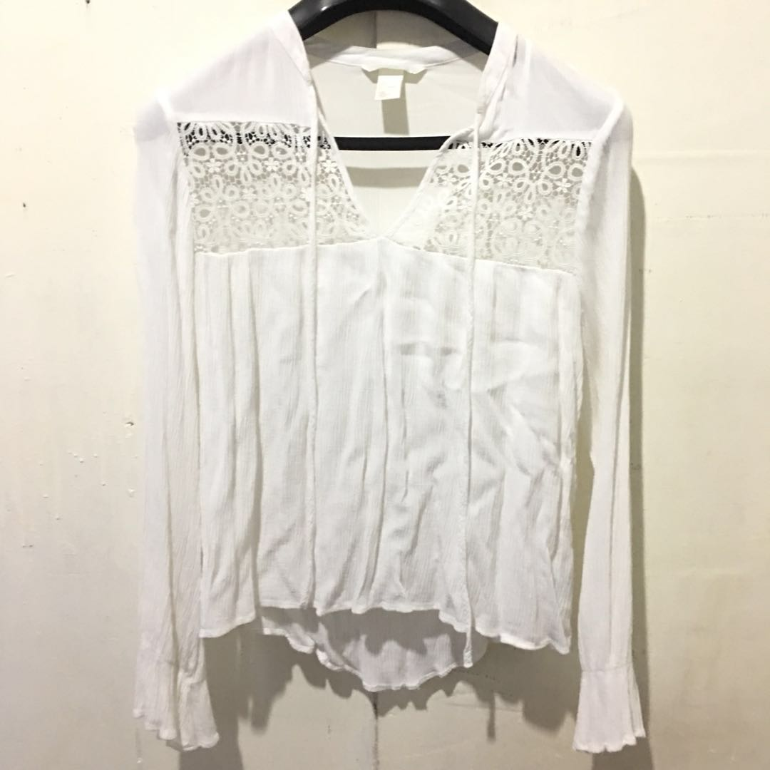 H&M bell sleeves white top