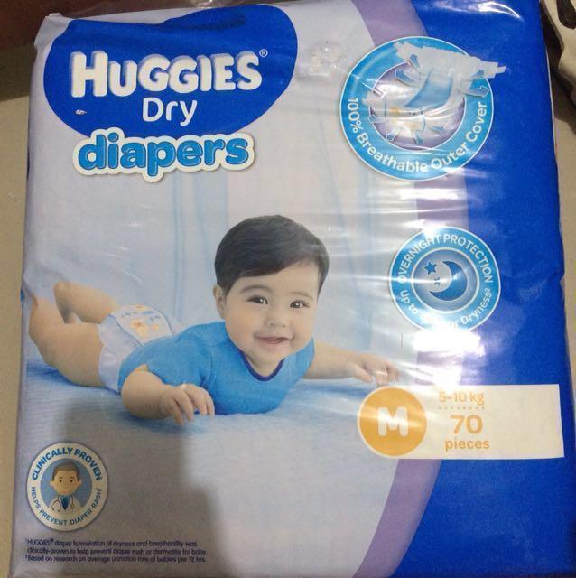 Huggies dry diapers Medium