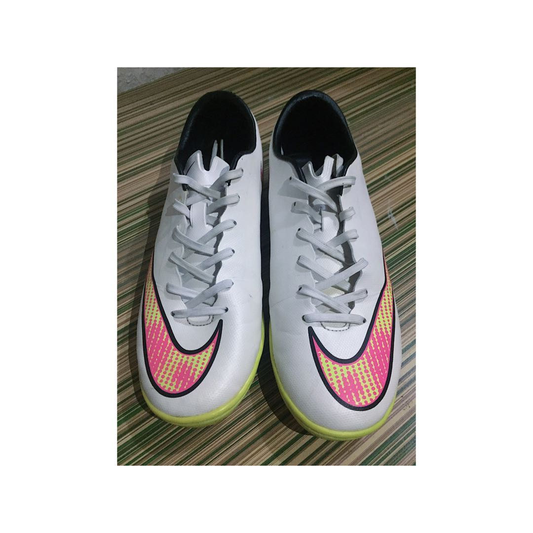 Nike Mercurial Football-Soccer turf shoes size 7us white