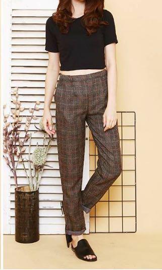 Pants square brown