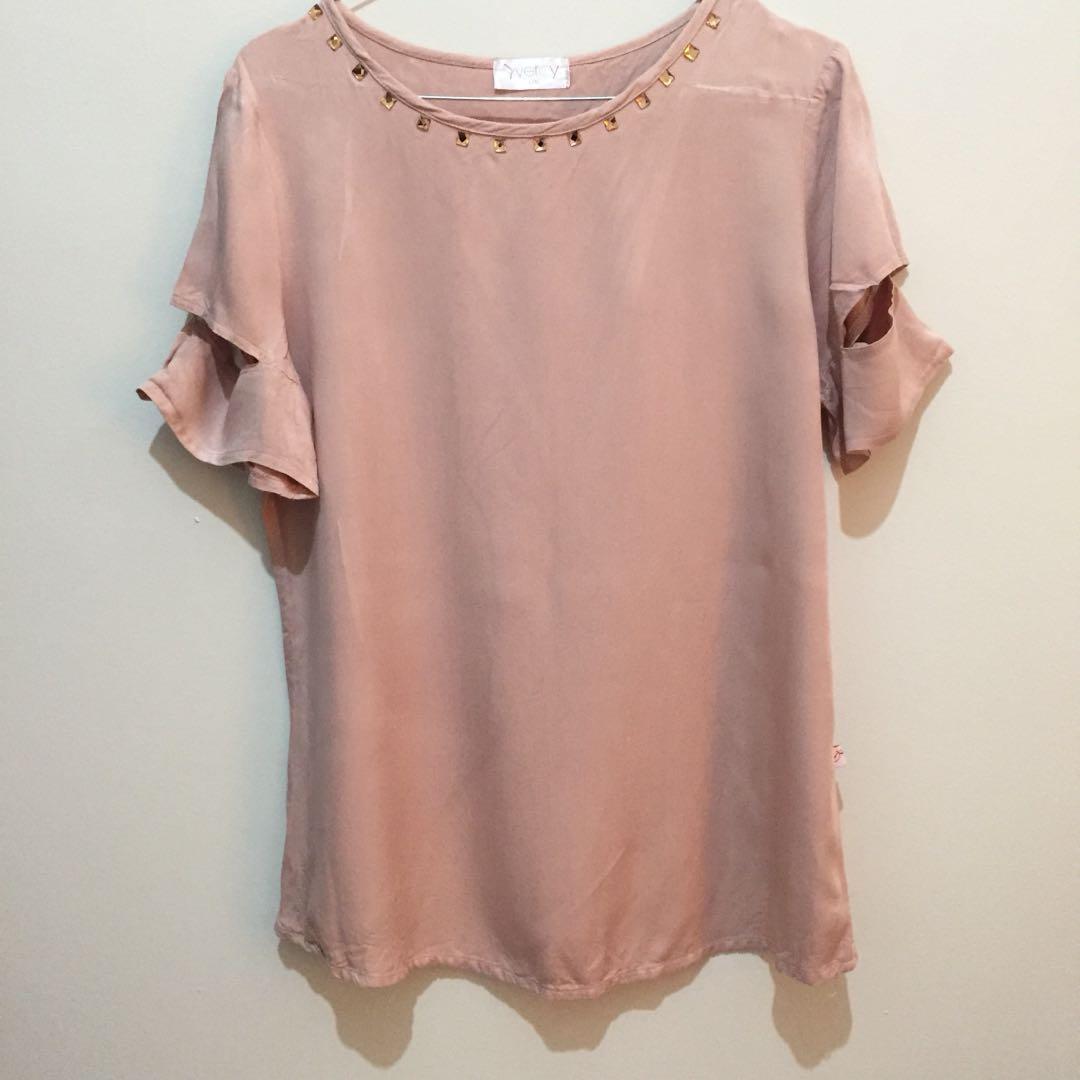 Pink top blouse berrybenka