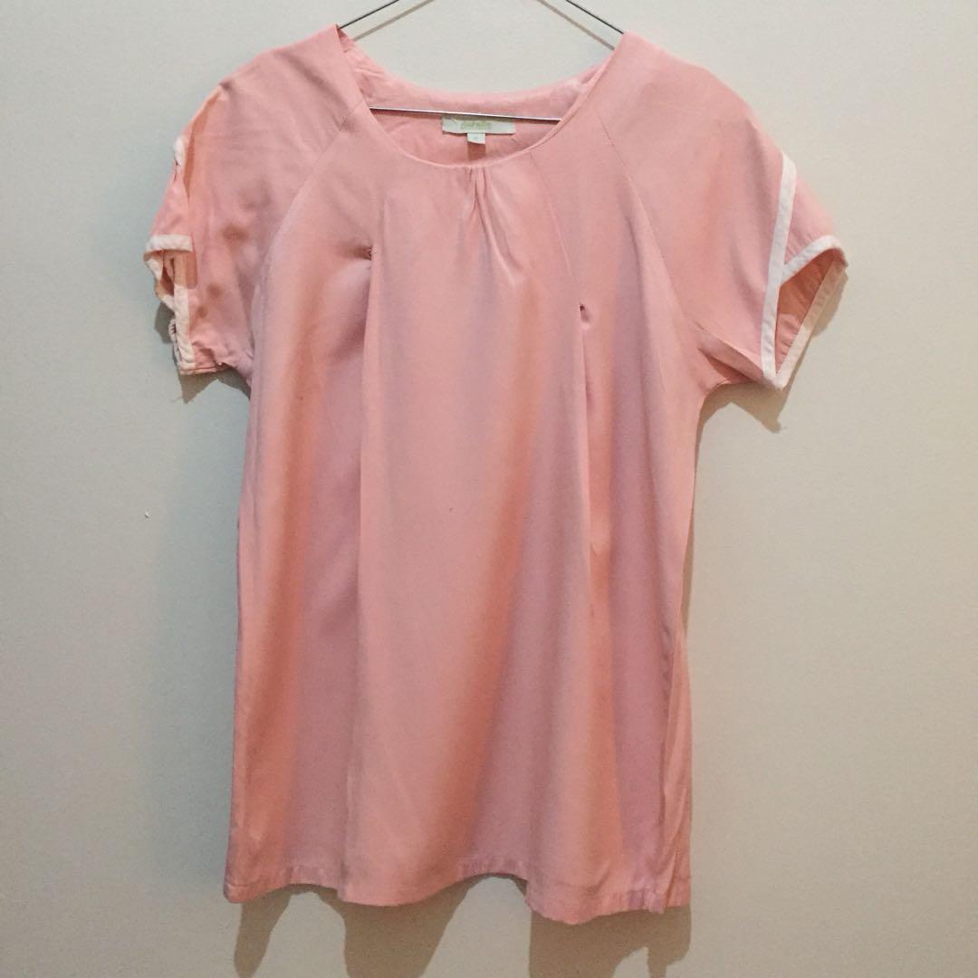Pink top details