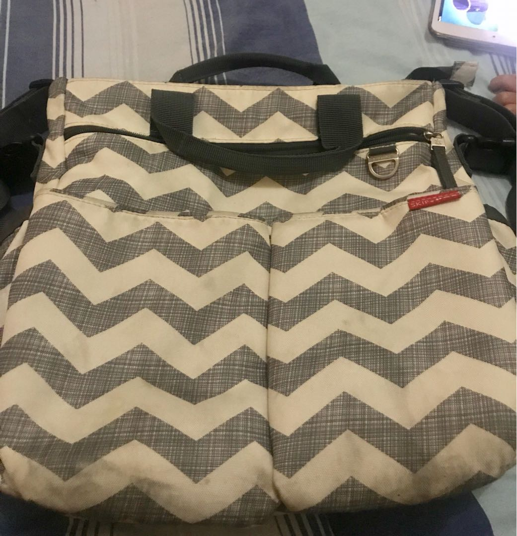 Pre loved original skiphop baby bag