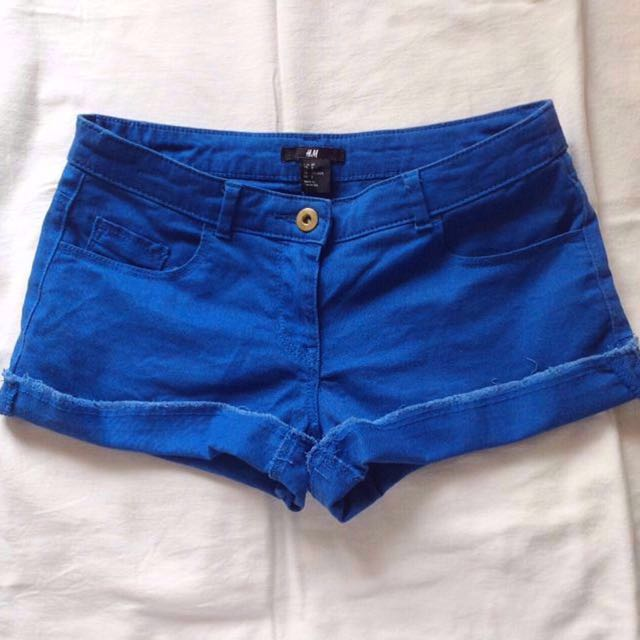 🚩RM 22🚩[H&M] Electric Blue Shorts With Frayed Trim.