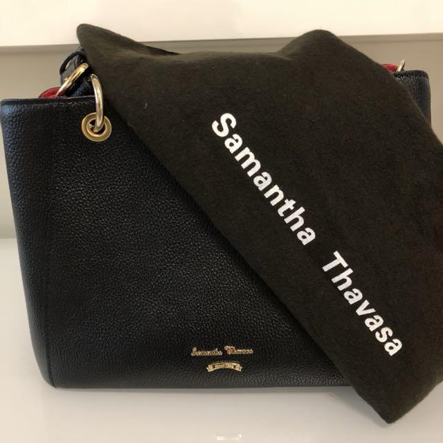Samantha Thavasa黑包