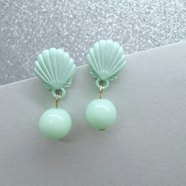 Seashell anting kerang