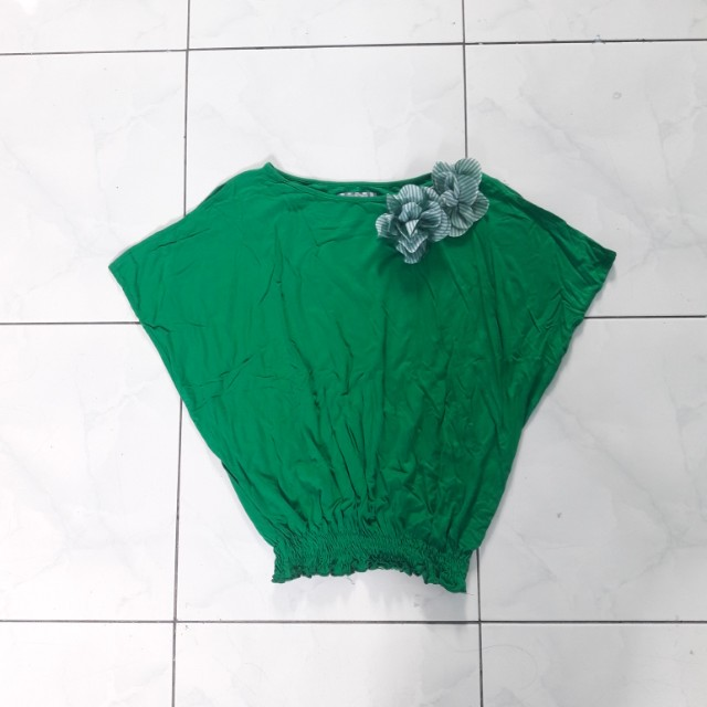 Sole Mio Green Rose Top