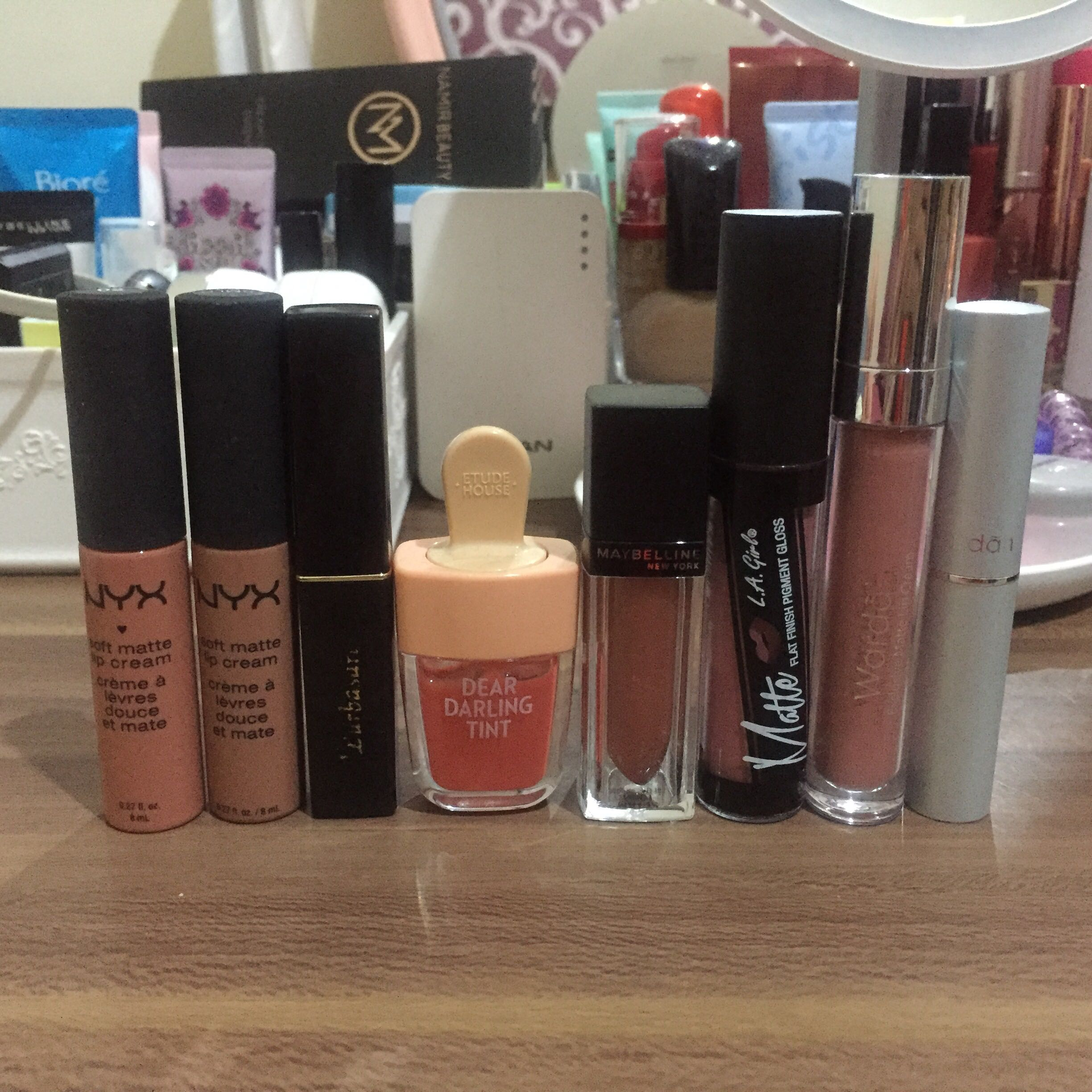 TAKE ALL LIP PRODUCT FOR 300k net