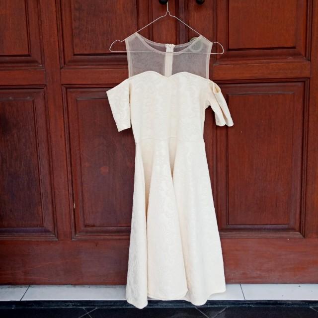 Tile dress sabrina white