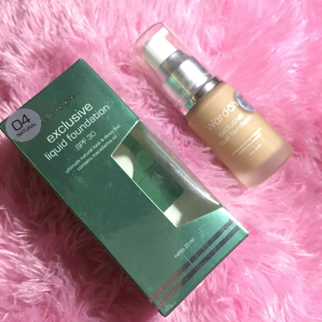 Wardah exclusive liquid foundation spf 30 ultimate natural look & dewy feel contains macadamia oil 04 natural