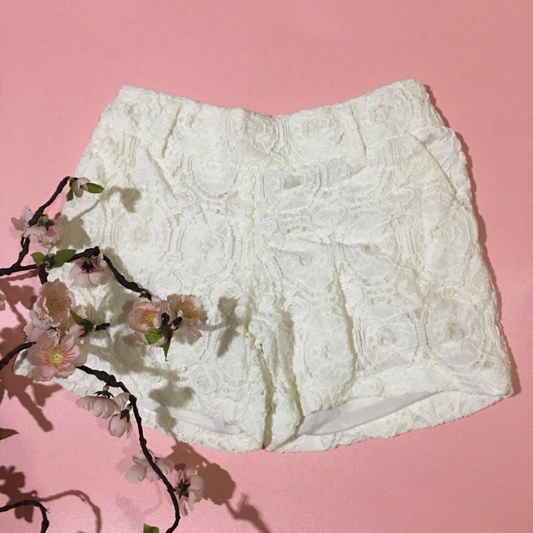 White lacy short pants