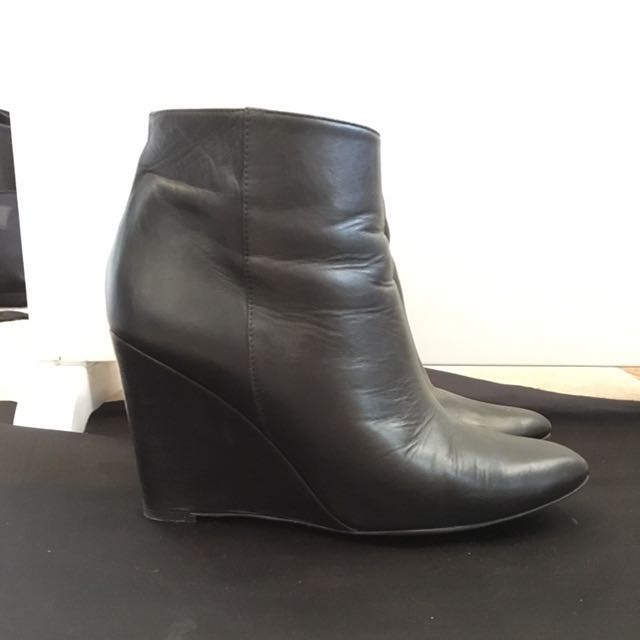 Zara Basic Black Leather Boots