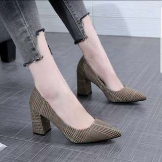 Clothe Checkered Pointed Pump Shoe 37