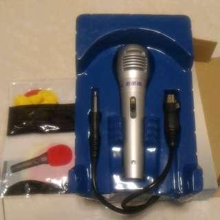 Karaoke Mic, Microphone 連mic 4套