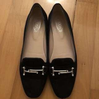 Tod's猄皮黑色闊佬鞋