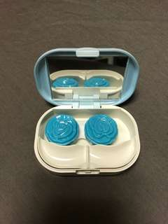 Contact lens and false eyelashes travel case from Japan