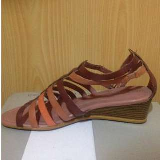 Hush Puppies Wedge Sandals Size8
