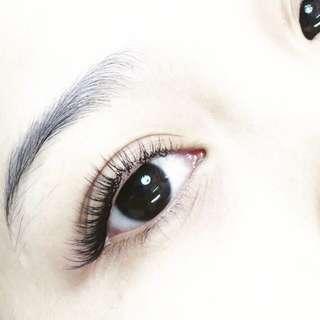 Eyelash Extensions - Doorsteps