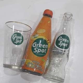 2 botol greenspot serta gelas