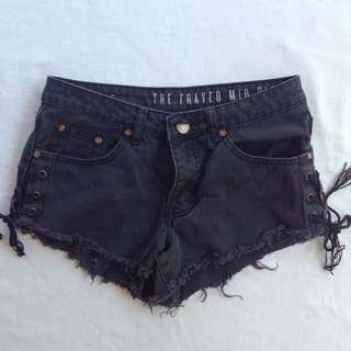 Mid lace shorts
