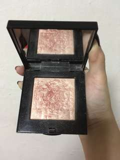 Bobbi Brown highlighting powder sunrise glow
