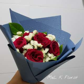 Red Rose Bouquet (Fresh Flowers)