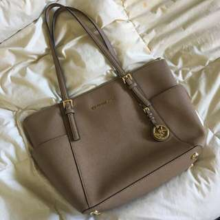Authentic Michael Kors bag, barely used