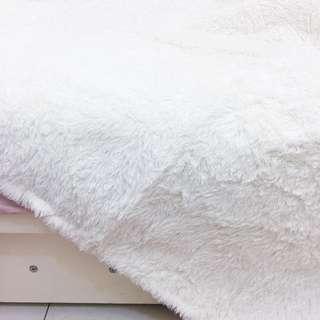 米白色短毛地毯