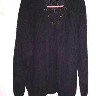 Sweater hitam rajut tebal