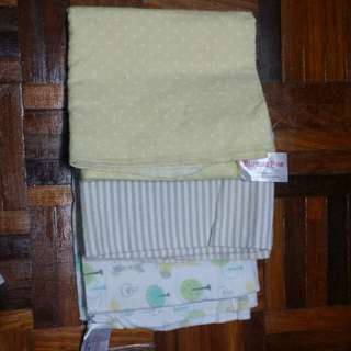 Baby blanket /swaddle bubble bee