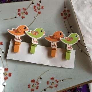 Set of 4 bird pegs
