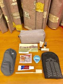 Cathay Pacific Business Class Travel Toiletries Essentials Pouch. FRESH TOILETRIES.
