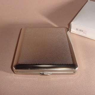 全新德國名廠 V.H Cigarette case 煙盒Made in Germany 古典設計 SL-910